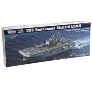 NAVE USS BONHOMME RICHARD KIT 1/700